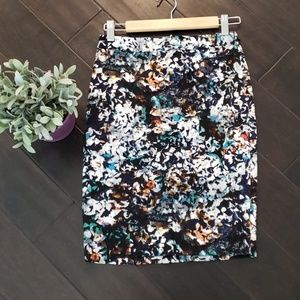 NWT the limited printed pencil skirt sz 2P
